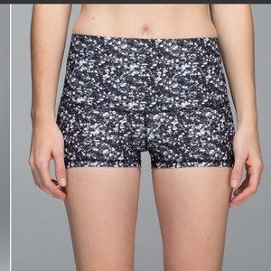 New LULULEMON shine shorts 8 roll down shimmy